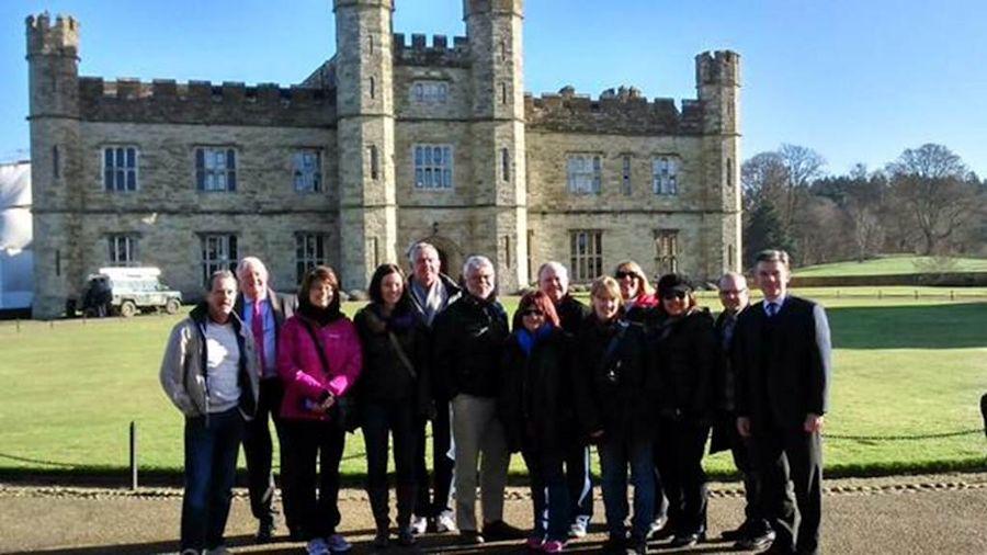 Hugh Robertson welcomes Canadian tourism operators to Leeds Castle